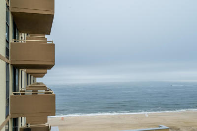 Long Branch Condo/Townhouse For Sale: 787 Ocean Avenue #305