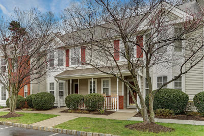 Holmdel NJ Condo/Townhouse For Sale: $324,900