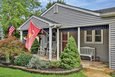 Brick Single Family Home For Sale: 146 Club House Road