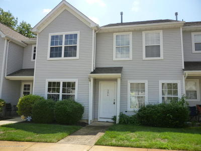 Toms River Condo/Townhouse For Sale: 304 Prosperity Court