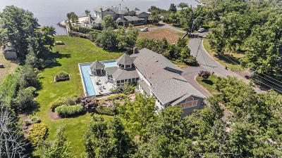 Rumson Single Family Home For Sale: 17 Heathcliff Road