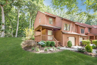Middletown Condo/Townhouse Under Contract: 11 Pape Drive