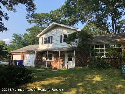 Toms River Single Family Home For Sale: 563 Brookside Drive