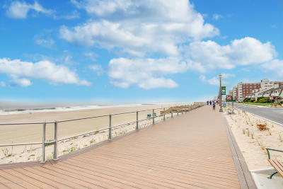 Long Branch Condo/Townhouse For Sale: 295 Ocean Boulevard #2