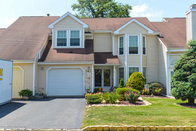 Monmouth County Condo/Townhouse For Sale: 147 Primrose Lane