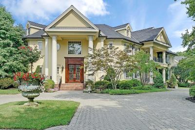Rumson Single Family Home For Sale: 10 Belknap Lane