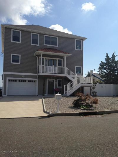 Toms River Single Family Home For Sale: 27 Cove Point Road