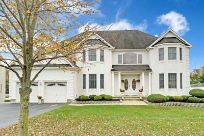 Toms River Single Family Home For Sale: 102 Shenandoah Boulevard