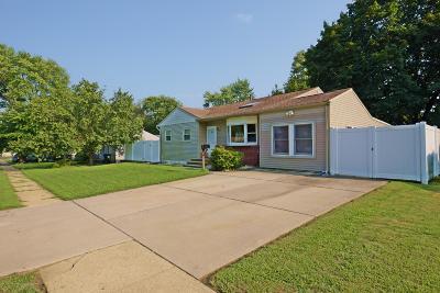 Hazlet Single Family Home For Sale: 9 Fairview Lane
