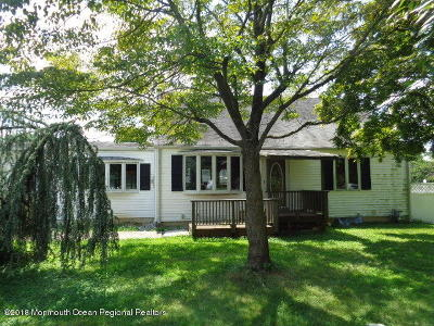Freehold Single Family Home For Sale: 580 Colts Neck Road