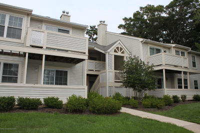 Howell Condo/Townhouse For Sale: 5 White Oak Court