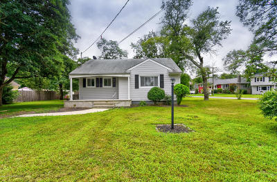 Point Pleasant Single Family Home Under Contract: 212 Chatham Lane