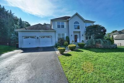 Howell Single Family Home For Sale: 6 Cecilia Court