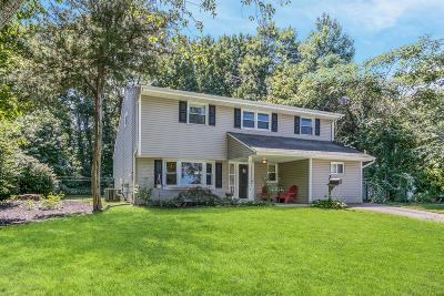 Middletown Single Family Home Under Contract: 34 Sylvia Terrace