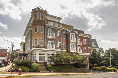 Red Bank Condo/Townhouse For Sale: 11 Wharf Avenue #3
