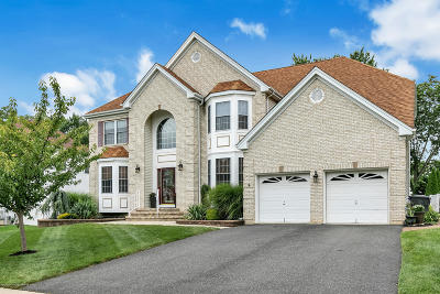 Brick Single Family Home Under Contract: 603 Windcrest Court