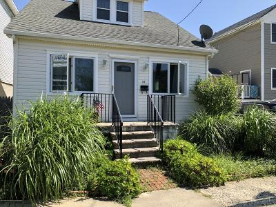 Atlantic Highlands, Highlands Single Family Home For Sale: 67 Snug Harbor Avenue