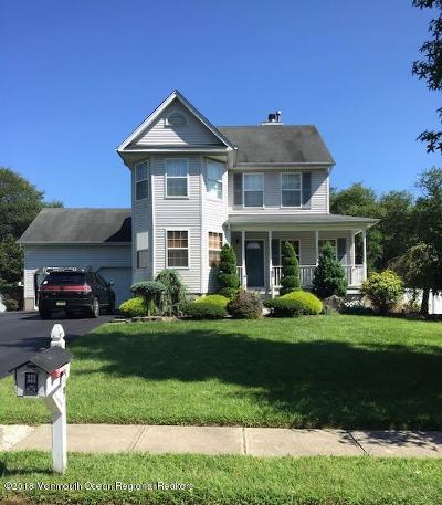 Single Family Home For Sale: 9 Pepperidge Court