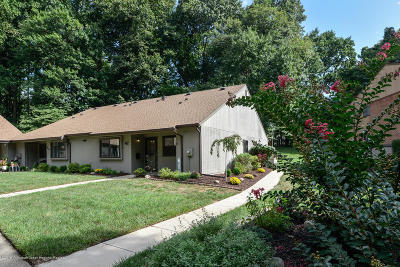 Monmouth County Adult Community Under Contract: 42 Western Reach