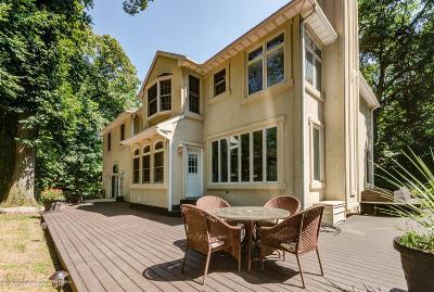 Holmdel NJ Single Family Home For Sale: $799,900