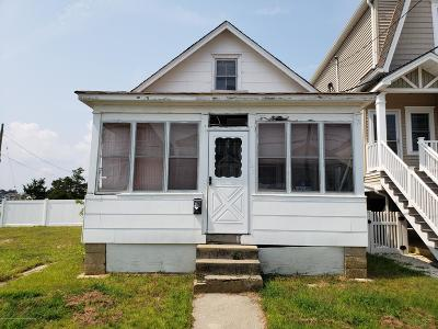 Point Pleasant Beach Single Family Home Under Contract: 121 Randall Avenue