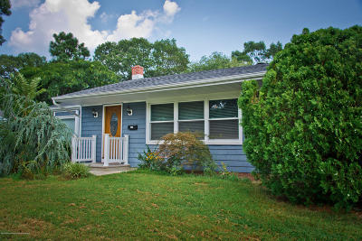 Point Pleasant Single Family Home Under Contract: 824 Beaver Dam Road