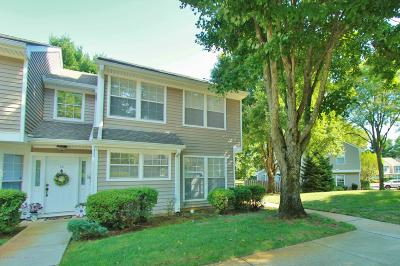 Freehold Townhouse For Sale: 13 Duncan Way