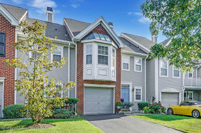 Holmdel NJ Condo/Townhouse Under Contract: $394,000