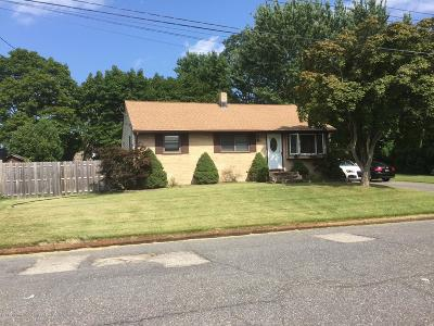 Single Family Home For Sale: 706 W Lawn Drive