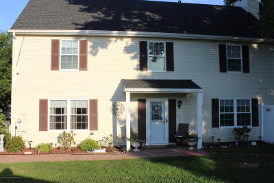 Hazlet Condo/Townhouse For Sale: 88 Fieldcrest Way
