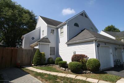 Freehold Condo/Townhouse For Sale: 5 Millay Court