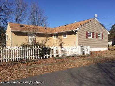 Point Pleasant Single Family Home For Sale: 824 Partridge