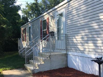 Hazlet Single Family Home For Sale: 250 Lane C
