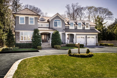 Rumson Single Family Home For Sale: 124 Avenue Of Two Rivers