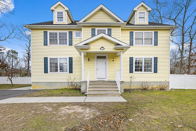 Lakewood Single Family Home For Sale: 739 Albert Avenue