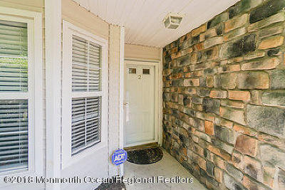 Tinton Falls Condo/Townhouse For Sale: 2 Buford Court