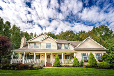 Manalapan Single Family Home For Sale: 8 Bailey Court