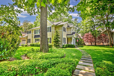 Rumson Single Family Home For Sale: 8 Lennox Avenue