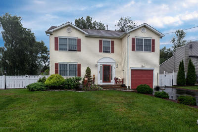 Toms River Single Family Home For Sale: 740 Birmingham Avenue