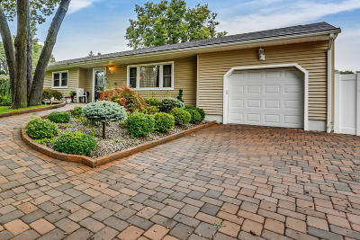 Brick Single Family Home For Sale: 207 Teal Road