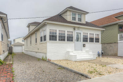 Point Pleasant Single Family Home For Sale: 167 Ocean Avenue