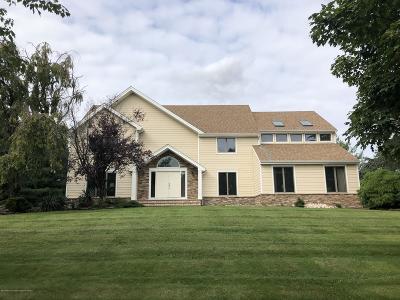 Holmdel NJ Single Family Home For Sale: $925,000