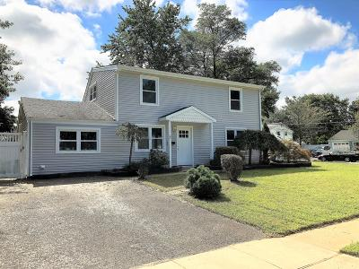 Hazlet Single Family Home For Sale: 3 Hemlock Street