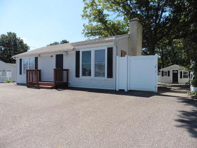 Toms River Single Family Home For Sale: 780 Fischer Boulevard