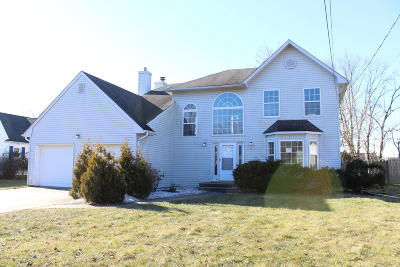 Aberdeen, Matawan Single Family Home For Sale: 15 Middlesex Road