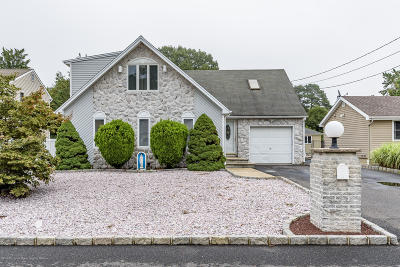 Toms River Single Family Home For Sale: 5 Crowder Drive