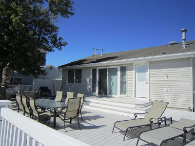 Bayville, Berkeley Single Family Home For Sale: 222 Teakwood Drive