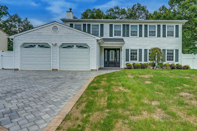 Toms River Single Family Home For Sale: 177 Liberty Bell Road