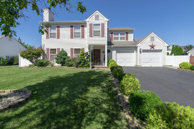 Howell Single Family Home For Sale: 74 W Shenendoah Road