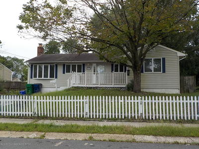Toms River Single Family Home For Sale: 21 Amherst Road